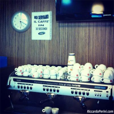 Noi serviamo il caffè in 30 secondi - Fini Grill Sillaro Est